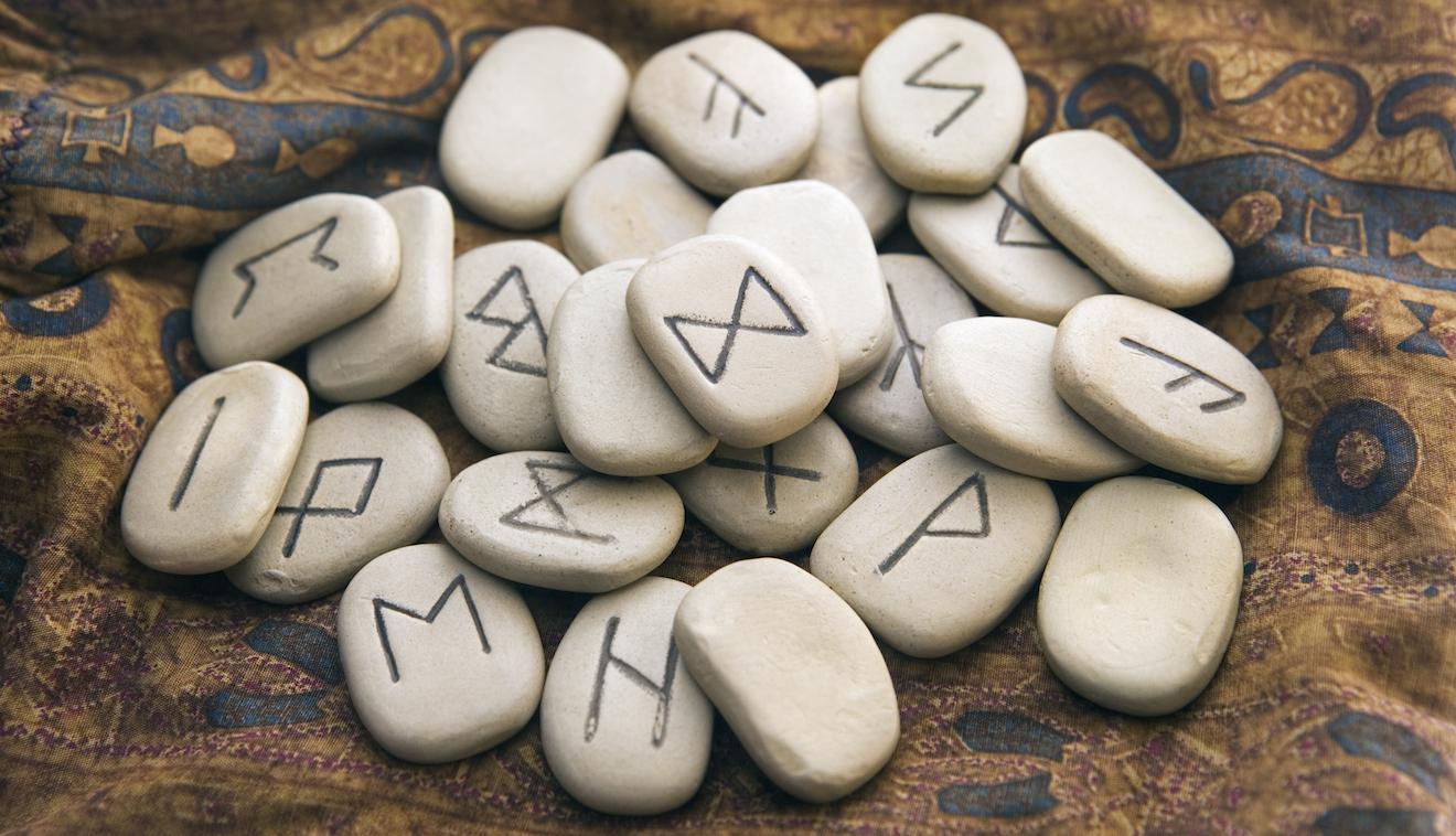Servicio de tirada de runas - oraculo